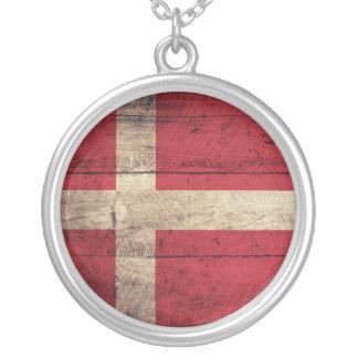 デンマークの古い木の旗 シルバープレートネックレス