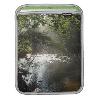 デンマークの森林道 iPadスリーブ