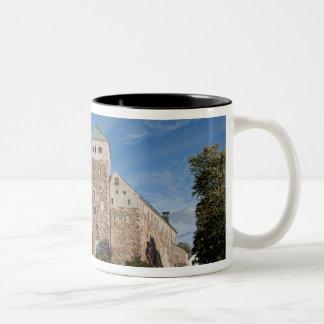 トゥルク、フィンランドのTurun古代Linnaの城、a ツートーンマグカップ