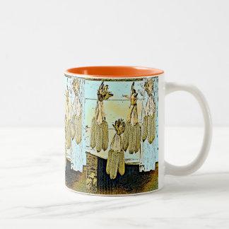 トウモロコシの皮の絵画 ツートーンマグカップ