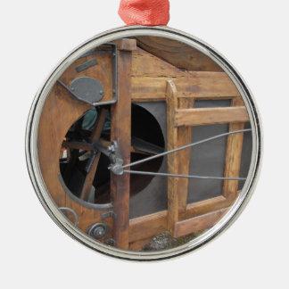トウモロコシを殻から取り出すのに使用される手動機械 メタルオーナメント