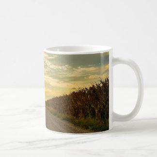 トウモロコシ畑のコーヒー・マグ コーヒーマグカップ