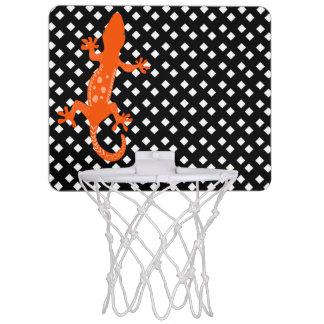 トカゲが付いている黒ダイヤのバスケットボールたがの白 ミニバスケットボールゴール