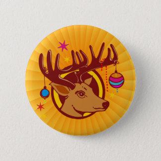 トナカイ/シカ/クリスマス + あなたの文字及びbackgr. 5.7cm 丸型バッジ