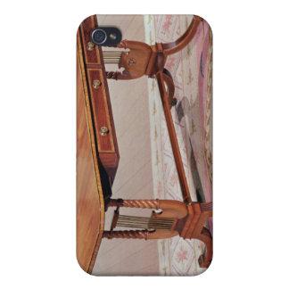 トマス著ハープの足を搭載するソファーのテーブル iPhone 4/4S ケース