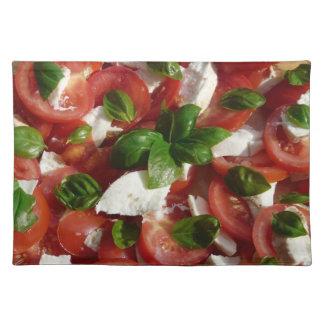 トマトおよびモツァレラサラダ ランチョンマット