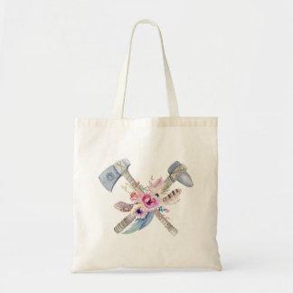 トマホークの羽および花の水彩画のデザイン トートバッグ