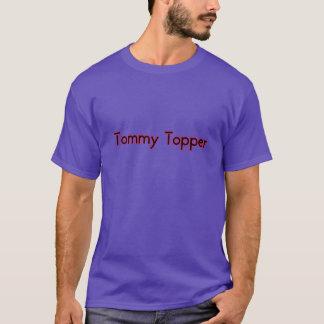 トミーの上層越えるべき物語が常にある誰か Tシャツ