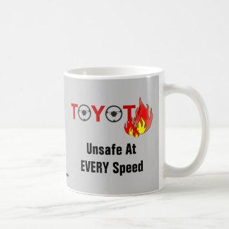トヨタ: あらゆる速度で危険 コーヒーマグカップ