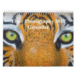 トラの写真撮影の野生動物2017年 カレンダー