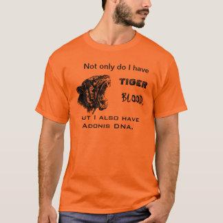 トラの血およびアドニスDNA Tシャツ