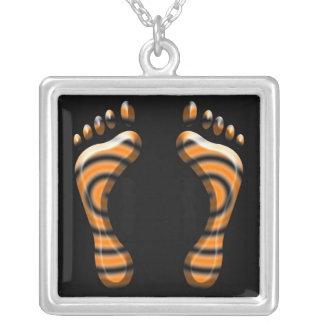 トラの足のデザインの正方形の銀のネックレス シルバープレートネックレス