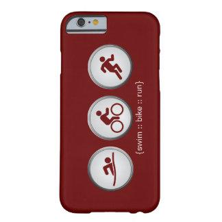 トライアスロンによって水泳バイク走られるiPhone6ケース(あずき色) Barely There iPhone 6 ケース
