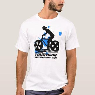トライアスロンの水泳のバイクの操業Tシャツ Tシャツ