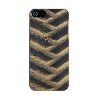 トラクターのタイヤは写真の箱を追跡します メタリックiPhone SE/5/5sケース