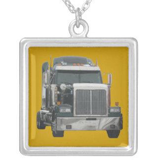 トラックのトラクター シルバープレートネックレス