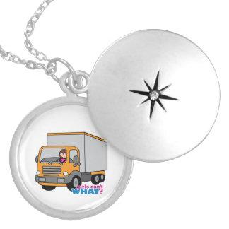 トラックの運転手 ロケットネックレス