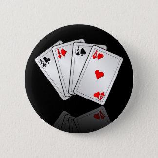 トランプのポーカーを持つカジノのイラストレーションはエースを梳きます 5.7CM 丸型バッジ