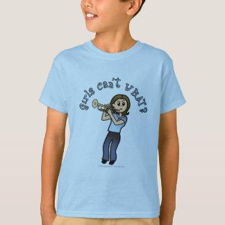 トランペットを演奏している軽い女性 Tシャツ