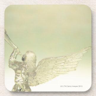トランペット、背面図を演奏するガラス天使 コースター