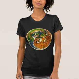 トラ及びドラゴンの陰陽 Tシャツ