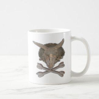 トリケラトプスのスカルnの十字の骨 コーヒーマグカップ