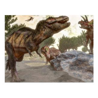 トリケラトプスの攻撃から脱出するティラノサウルス・レックスのレックス ポストカード