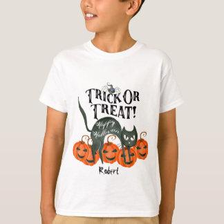 トリック・オア・トリートのハッピーハローウィンのブーイングのTシャツの名前 Tシャツ