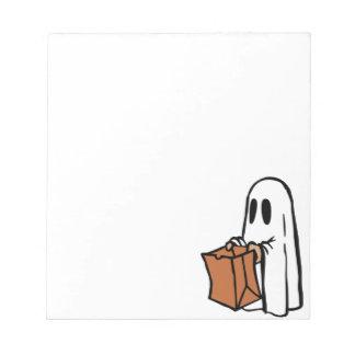 トリック・オア・トリートのハロウィンの幽霊 ノートパッド
