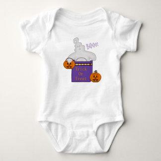 トリック・オア・トリートの幽霊のTシャツ ベビーボディスーツ