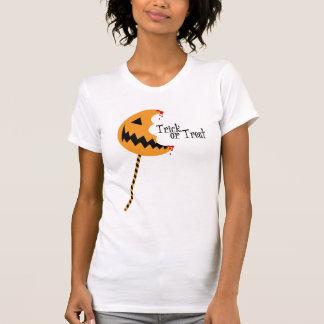 トリック・オア・トリートの破裂音-レディースはティーにのせます(ライト) Tシャツ