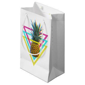 トリップ(幻覚体験)のようなで多彩なパイナップル スモールペーパーバッグ