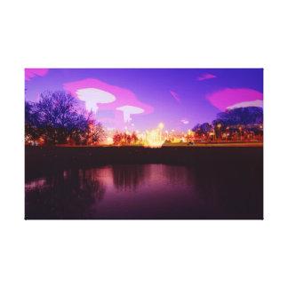 トリップ(幻覚体験)のようなな湖のキャンバス-暗い紫色のミステリー キャンバスプリント