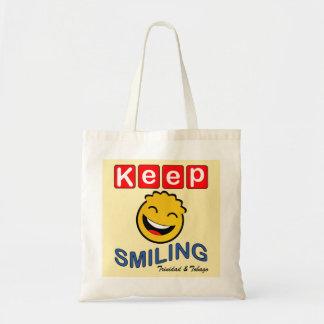 トリニダードトバゴは微笑の黄色いスマイリーを保ちます トートバッグ