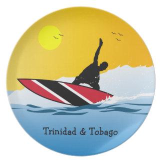 トリニダード及びトバゴのビーチのサーファー プレート