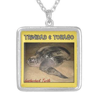 トリニダード及びトバゴの革背部カメ シルバープレートネックレス