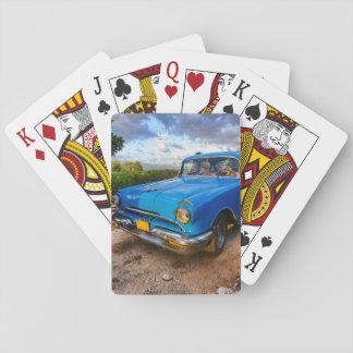 トリニダード、キューバの古いアメリカのクラシックな車 トランプ