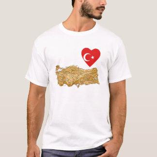 トルコの旗のハートおよび地図のTシャツ Tシャツ