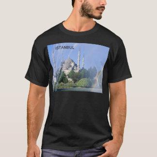 トルコイスタンブールの青いモスク(St.K) Tシャツ