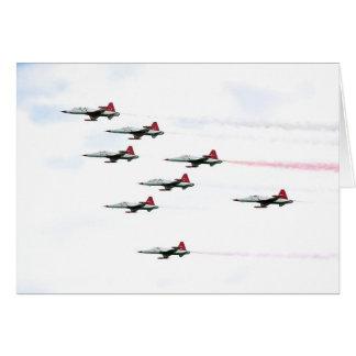 トルコ人は曲技飛行のチームを主演します カード
