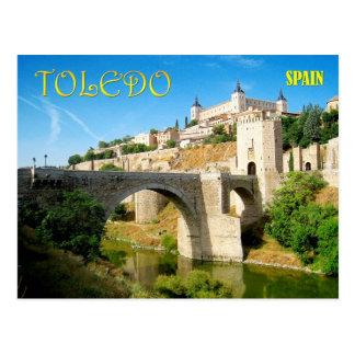 トレド、スペインのAlcantaraの橋そしてAlcazar ポストカード