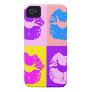 トレンディーによってしわを寄せられる唇のキスのレトロのポップアート Case-Mate iPhone 4 ケース