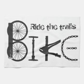 トレールバイクの落書きの引用文に乗って下さい キッチンタオル