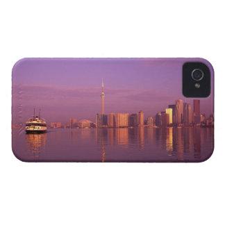 トロントのスカイライン、オンタリオ、カナダ Case-Mate iPhone 4 ケース