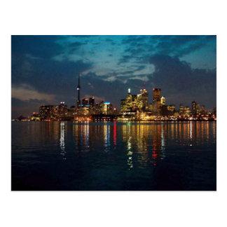 トロントの都心の光景のCNTowerの水辺地帯のおもしろい ポストカード