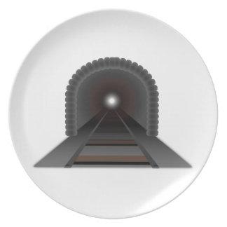 トンネルの端にライト! プレート