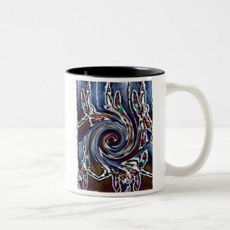 トンボの波の抽象芸術の自然 ツートーンマグカップ