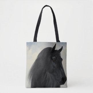 トートバックをくまなく黒いFriesianの馬のポートレート トートバッグ
