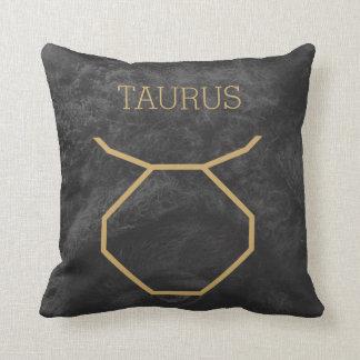 トーラスの(占星術の)十二宮図の印|のカスタムな背景 + 文字 クッション