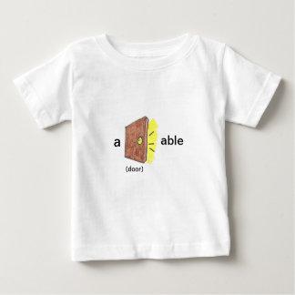 ドアできる ベビーTシャツ
